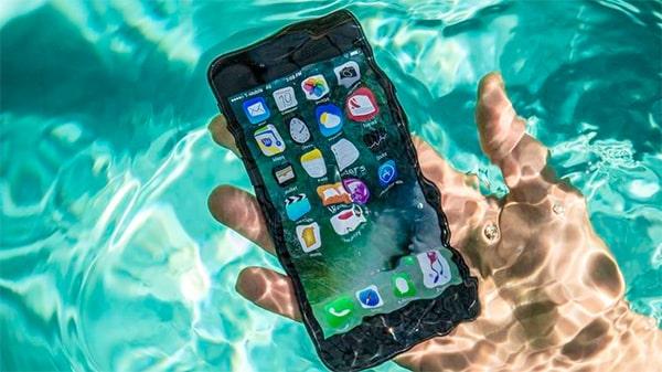 เปิดตัว iPhone8 3