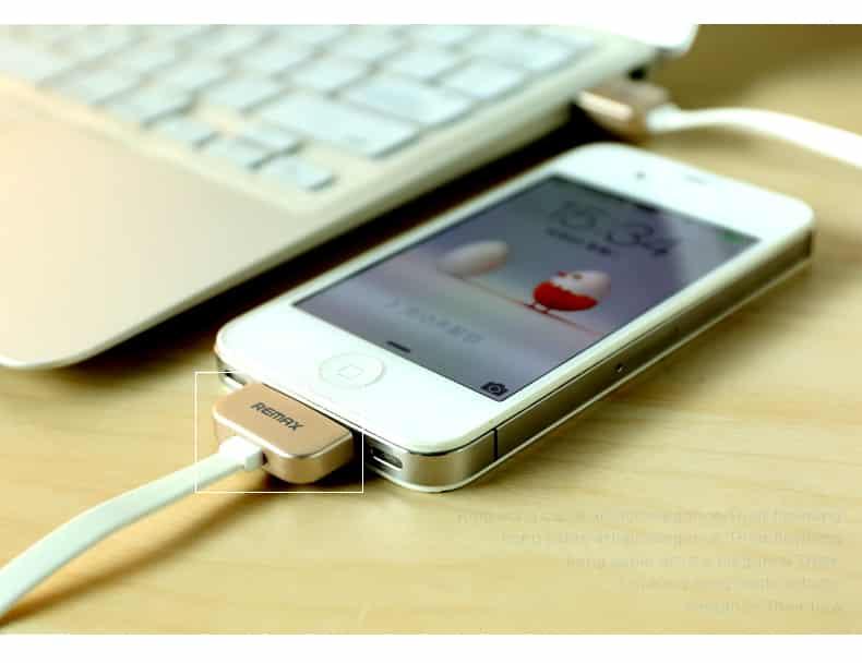 สายชาร์จ Remax Safe&Speed iPhone 4-4S 8