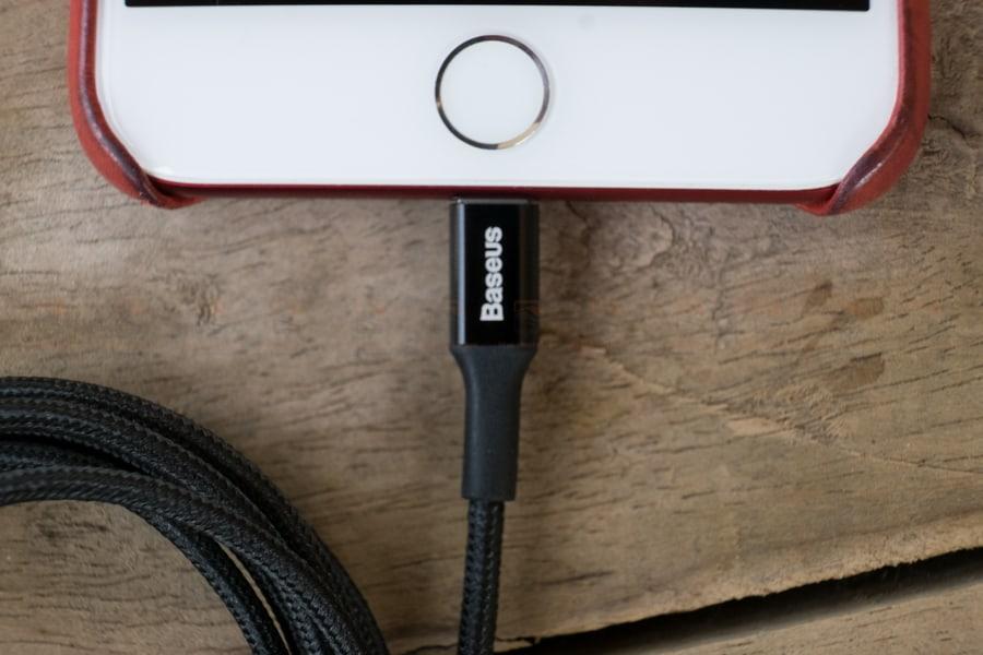 สายชาร์จไอโฟน Baseus LED Lighting USB Cable For iPhone X 8 6 7 Fast Charging Cable รูปสินค้าจริง-3