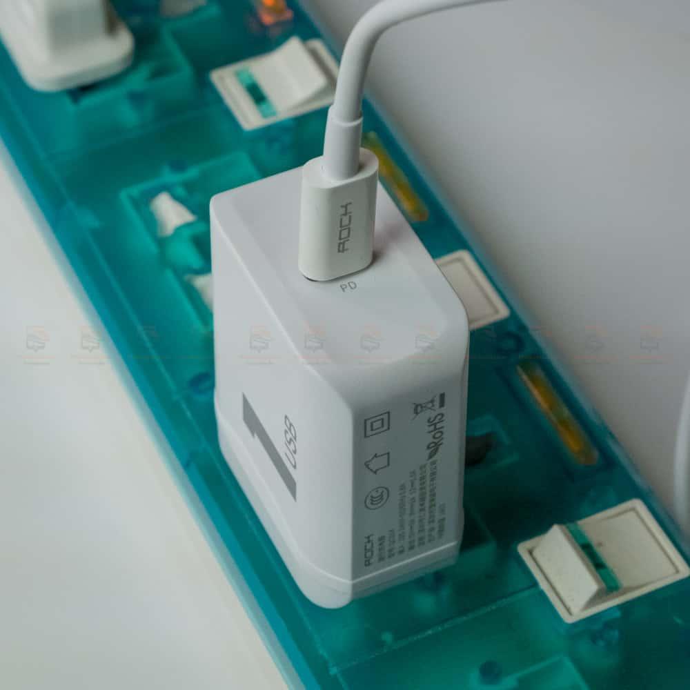 ที่ชาร์จแบต ROCK PD Fast Charger Set for iPhone X 8 Plus With Type C to Lighting Cable สินค้าจริง-12