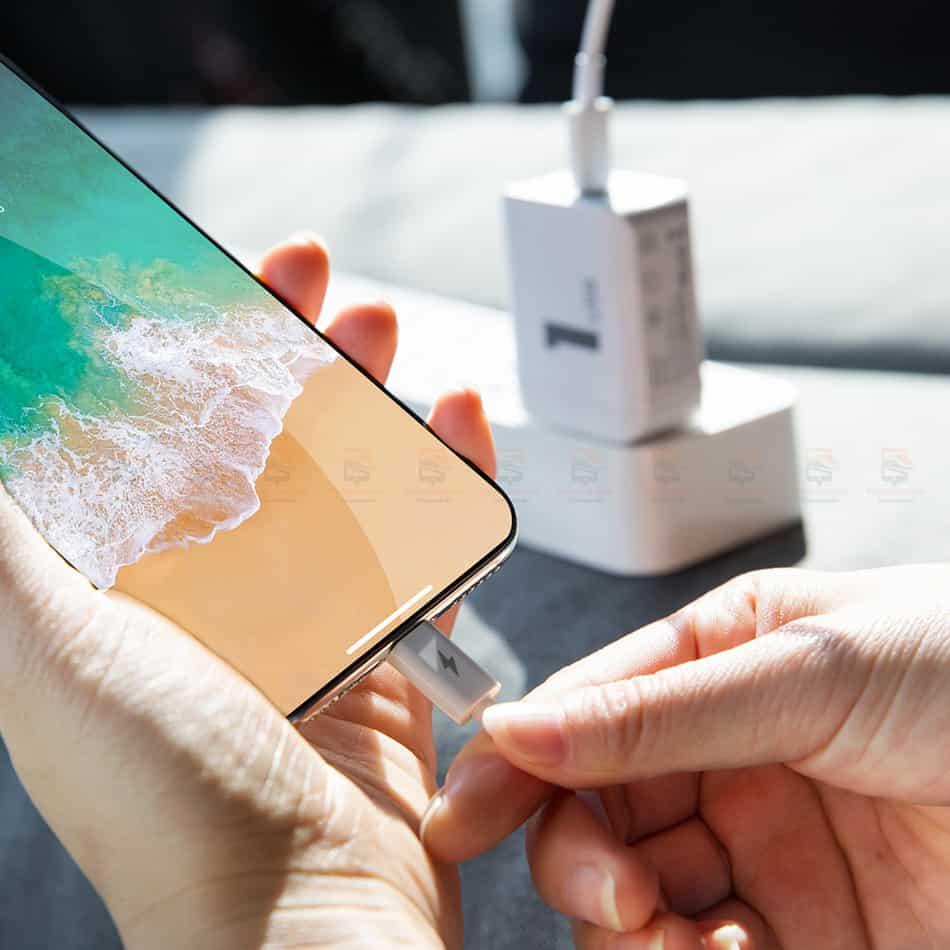ที่ชาร์จแบต ROCK PD Fast Charger Set for iPhone X 8 Plus With Type C to Lighting Cable-18