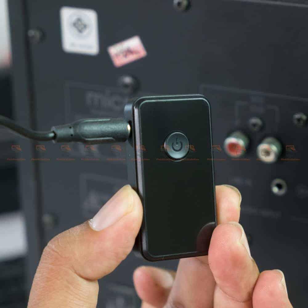 บลูทูธรถยนต์ BT-01 Bluetooth 4.2 Audio Receive Transmitter-3.5mm Male to Male Audio Cable