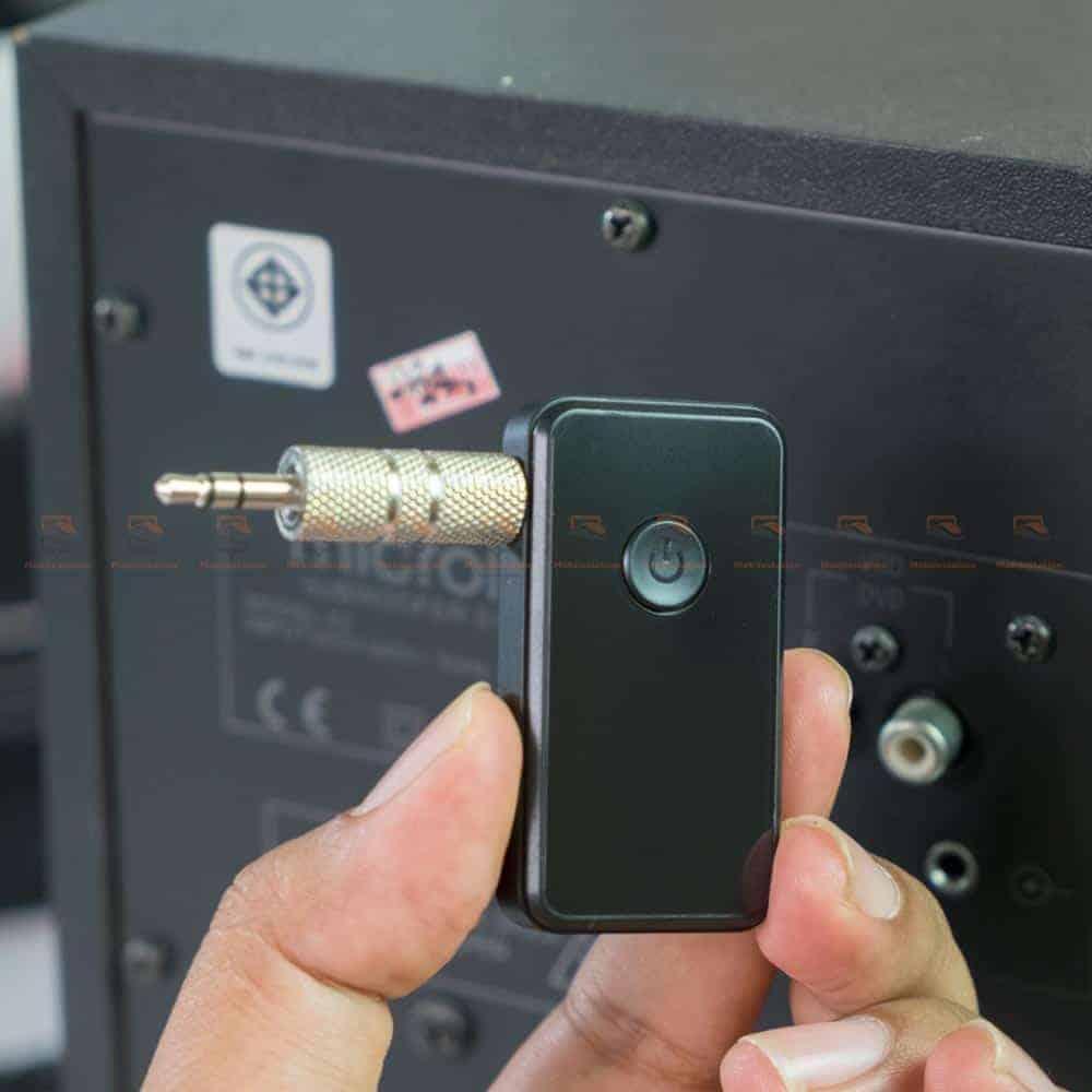 บลูทูธรถยนต์ BT-01 Bluetooth 4.2 Audio Receive Transmitter-3.5mm female plug