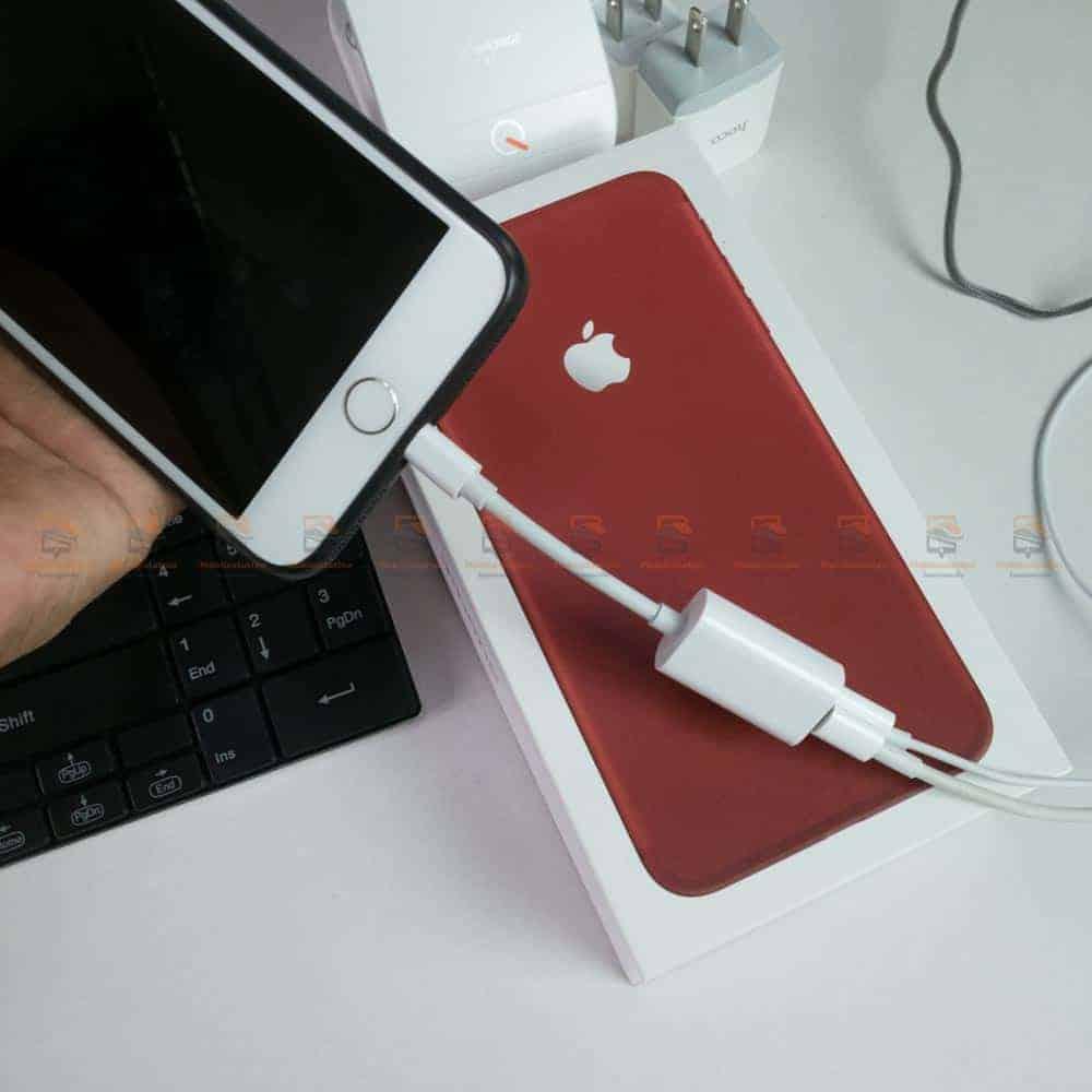 Y Cable Lightning adapter for iPhone 7 8 X Xr ฟังเพลง ใช้ไมค์ได้ พร้อมชาร์จ-ตัวอย่างการใช้งาน