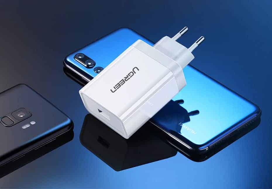 Ugreen USB Charger Super Fast Charger Picture