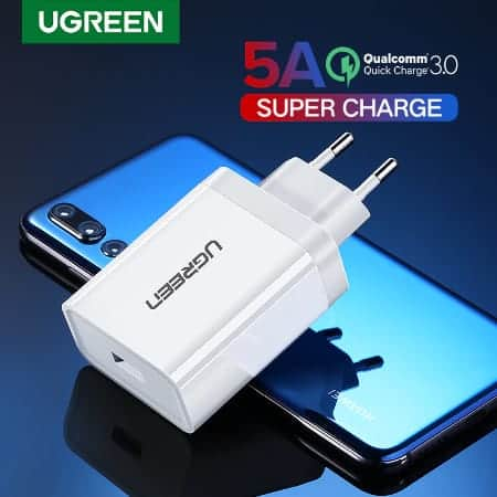 Ugreen USB Charger Super Fast Charger_display_01
